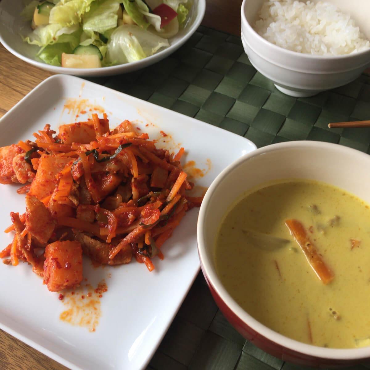 豚キムチ炒め、カレー