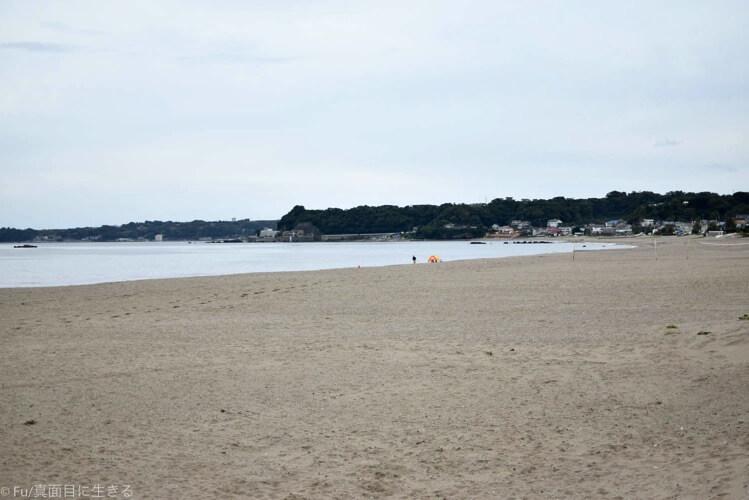 10月上旬の海 テントが見える
