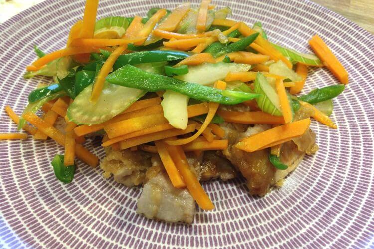 セロリと肉の炒め物