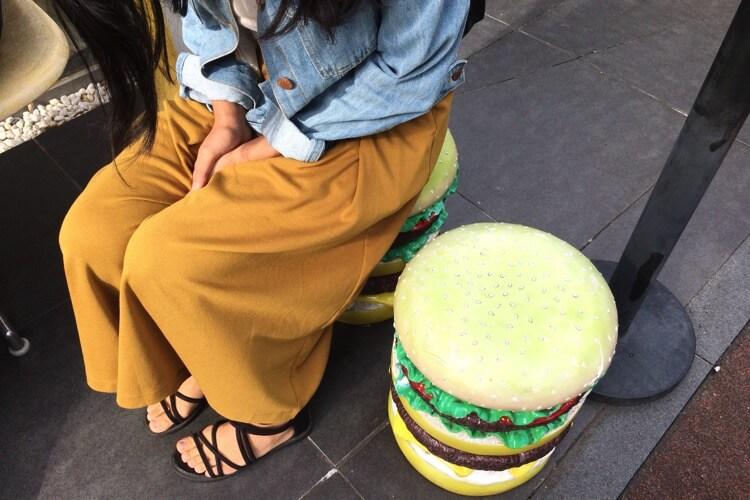 バーガー型の椅子