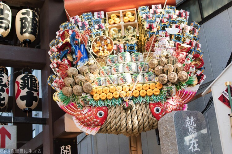 鷲神社に飾ってある大熊手