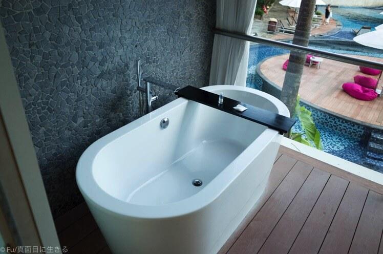 ベランダにある風呂