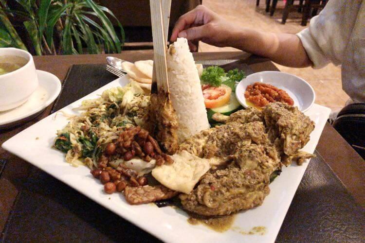 インドネシアっぽい食べ物