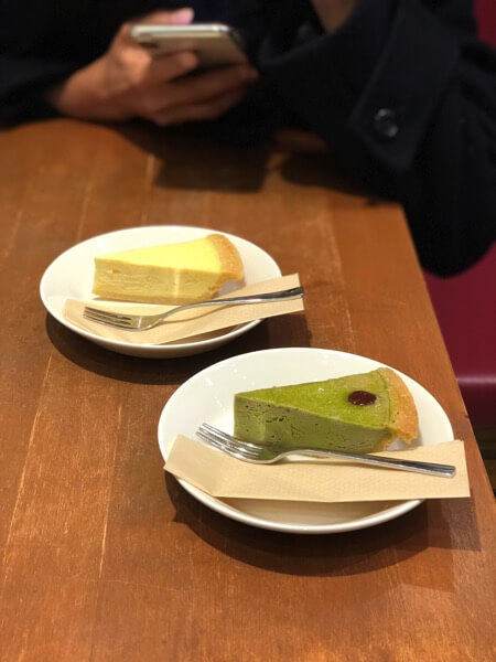 抹茶チーズケーキ、プレーンチーズケーキ
