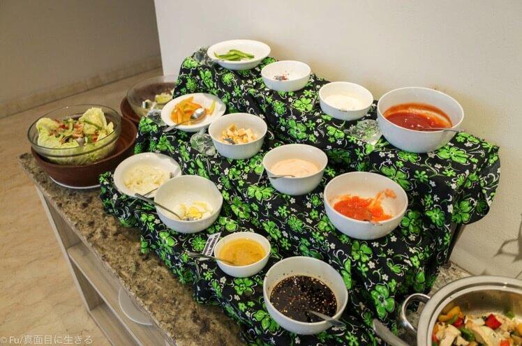 朝食バイキングサラダ