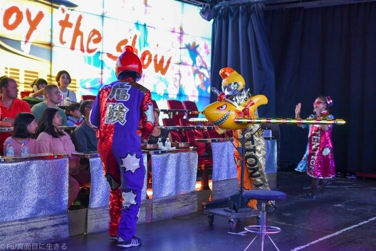 ロボットレストラン ショー開始