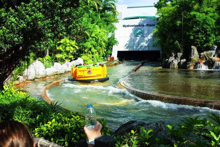 ユニバーサルスタジオシンガポール ジュラシックパーク・ラビッド・アドベンチャー