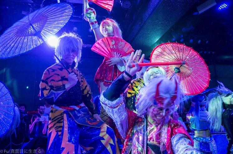 ロボットレストラン 歌舞伎的な役者