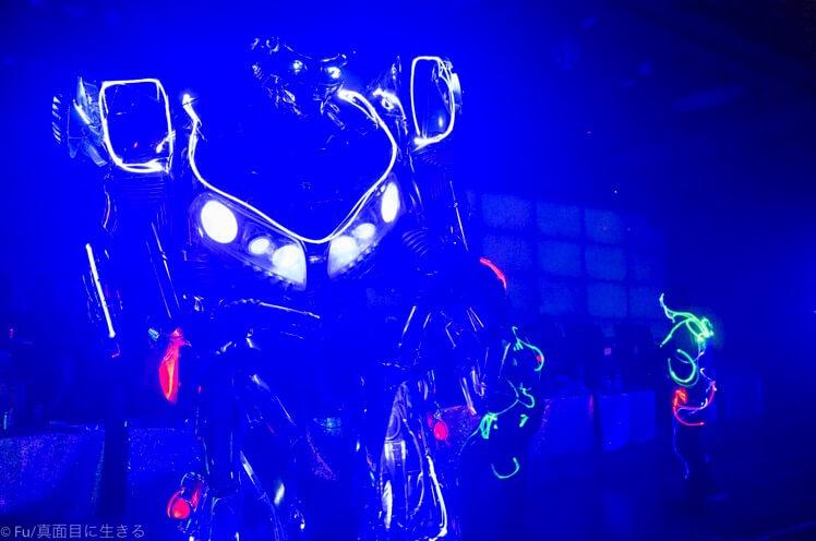 ロボットレストラン ロボとダンス