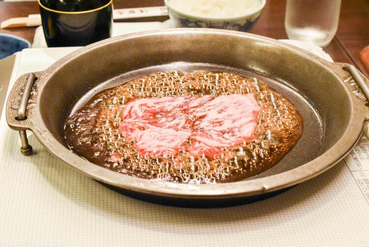 浅草今半 東京グランルーフ店  まずは肉から