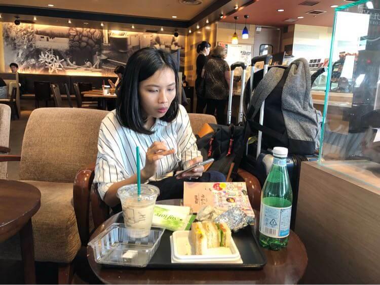 成田空港にてコーヒー注入