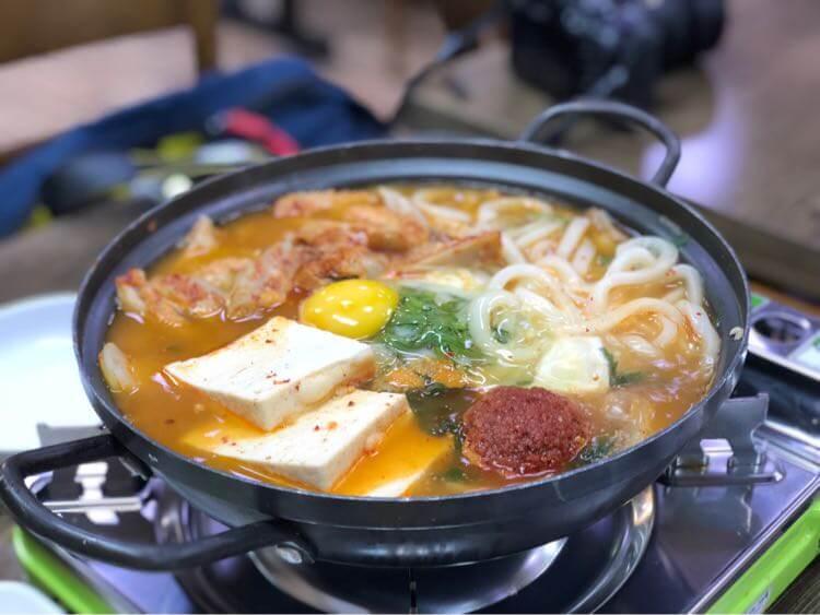 「広蔵市場(クァンジャンシジャン)」チゲ鍋