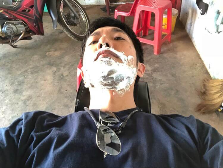髭剃り準備
