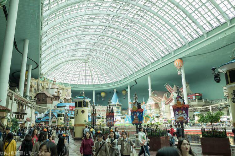 ソウル ロッテワールド ドーム型の遊園地