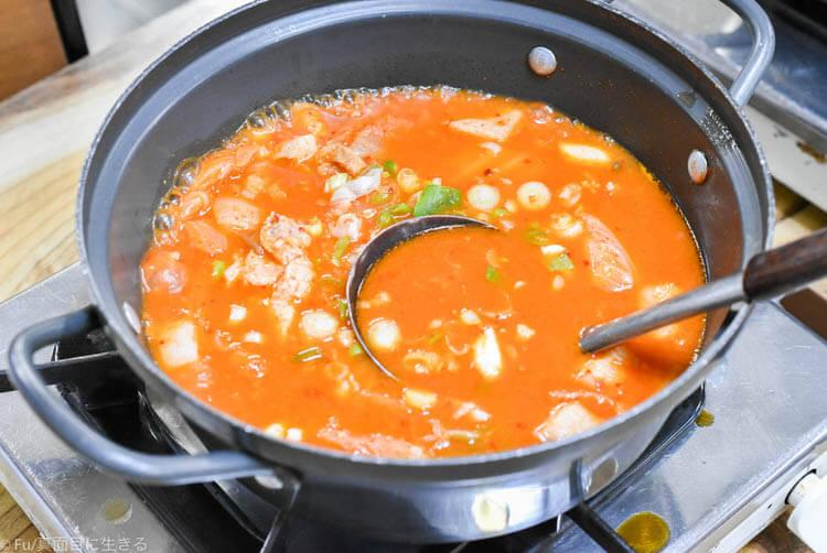【食レポ】「ウンジュジョン」ソウル三大キムチチゲ鍋の名店 新鮮な豚肉が最高! サムギョプサルとのセットでお腹いっぱい