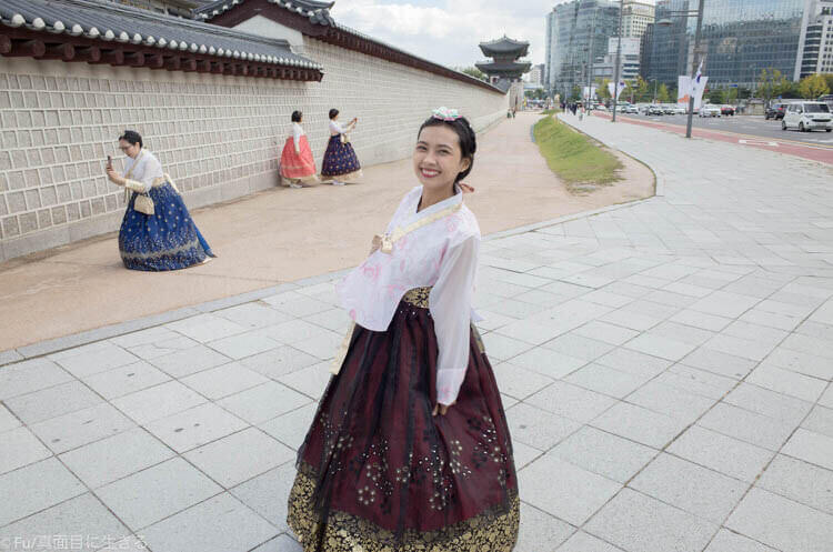 ソウル・景福宮で韓服(ハンボッ・チマチョゴリ)レンタル 着てみた