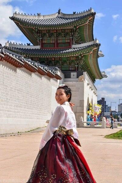 ソウル・景福宮で韓服(ハンボッ・チマチョゴリ)レンタル ギョンボックンと記念撮影