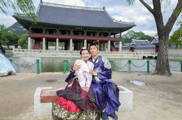 ソウル・景福宮で韓服(ハンボッ・チマチョゴリ)レンタル 二人で撮影