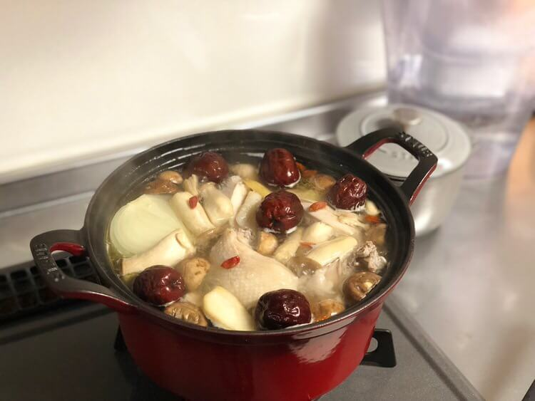 体が温まりそうなスープ