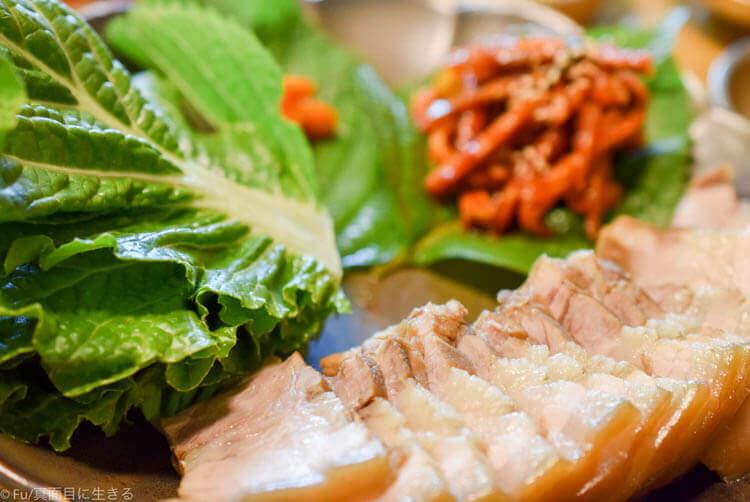 クンキワチプ  豚肉と野菜