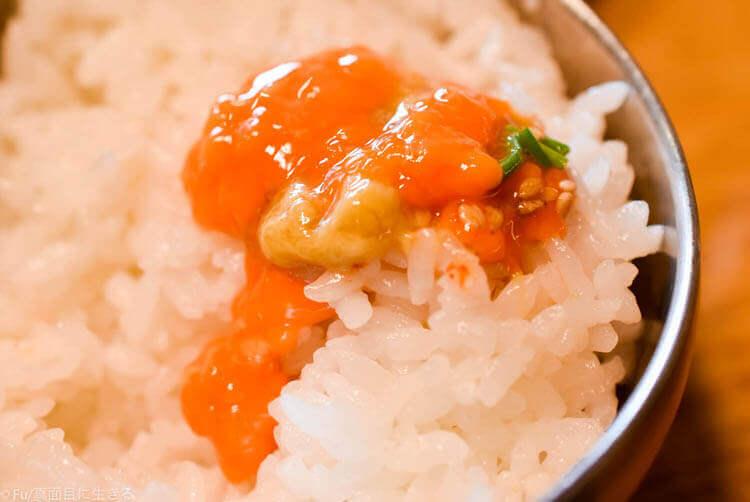 クンキワチプ カンジャンケジャン ご飯の上にかけてドーン