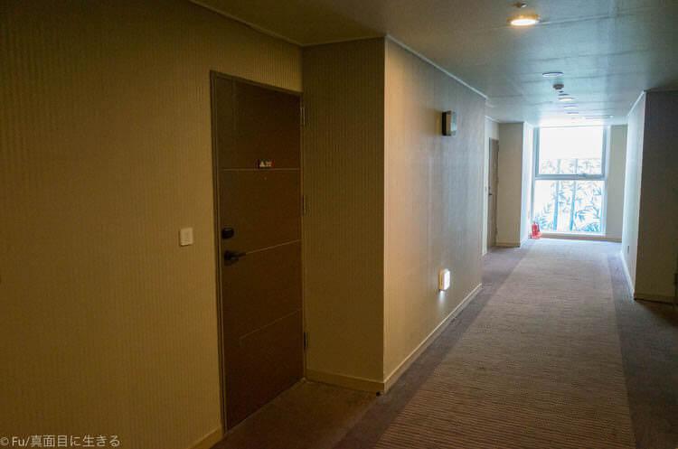 Hotel Atrium (ホテル アトリウム) 廊下