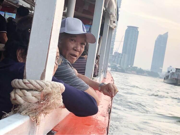 シャトルボートとお義父さん
