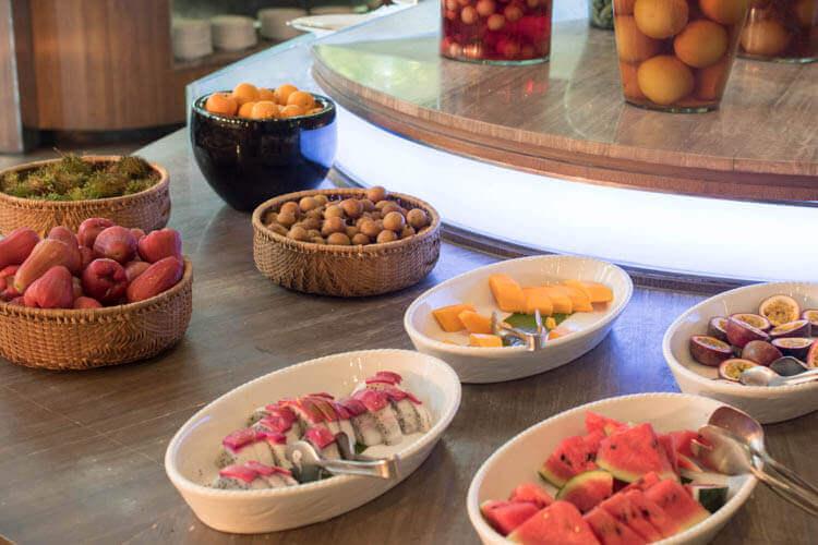 ホーチミン ニューワールド サイゴン ホテルの朝食ブュッフェ フルーツ