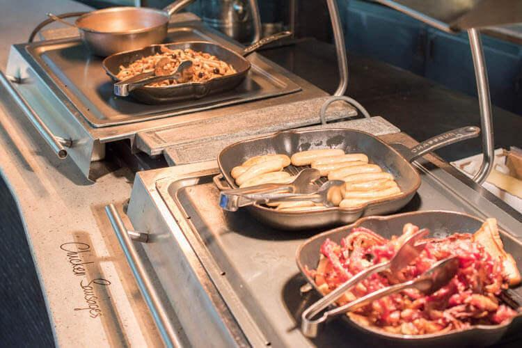ホーチミン ニューワールド サイゴン ホテルの朝食ブュッフェ アメリカン系