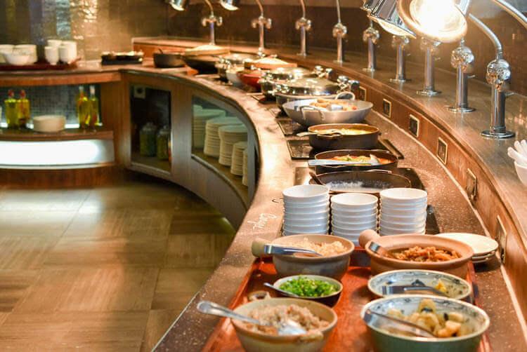 ホーチミン ニューワールド サイゴン ホテルの朝食ブュッフェ アジア系料理