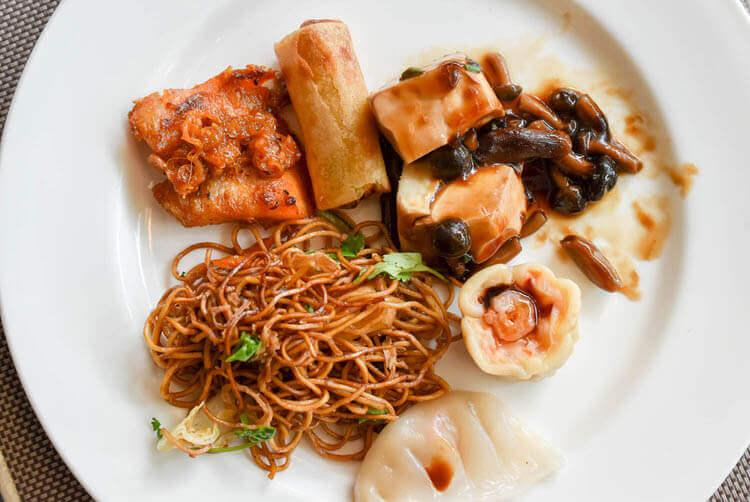 ホーチミン ニューワールド サイゴン ホテルの朝食ブュッフェ アジア系のおかず
