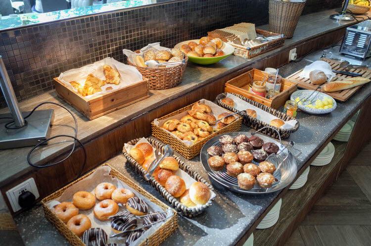 ホーチミン ニューワールド サイゴン ホテルの朝食ブュッフェ パン類
