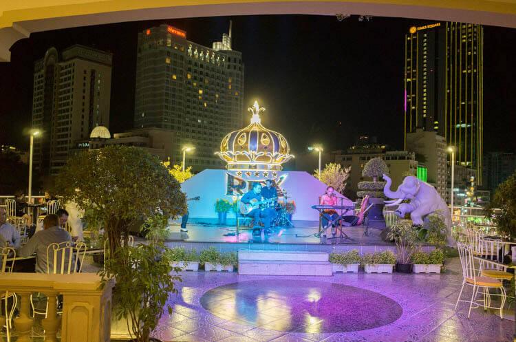 レックス ホテル サイゴン ライブ