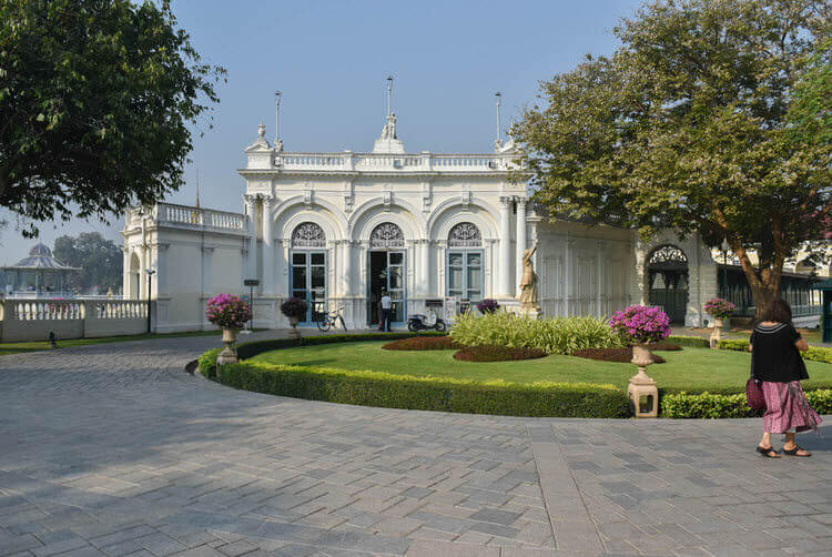 バンパイン宮殿 休憩所