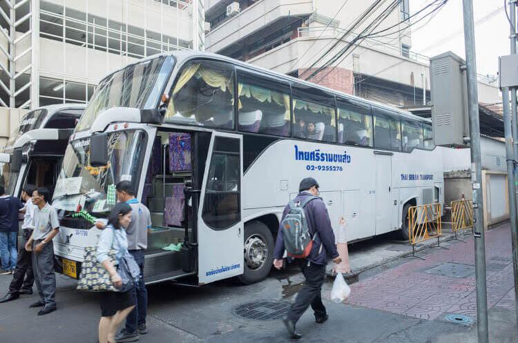 アユタヤツアー バス