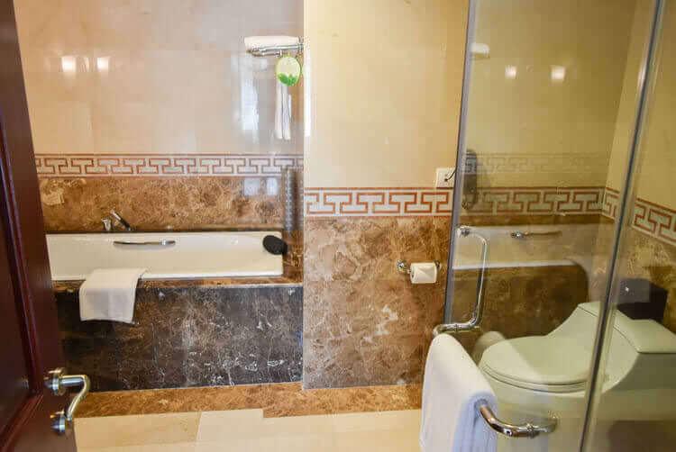 レックス ホテル サイゴン バスルーム