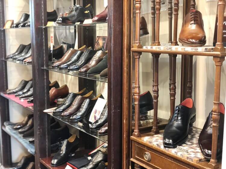 靴が並んでいる、