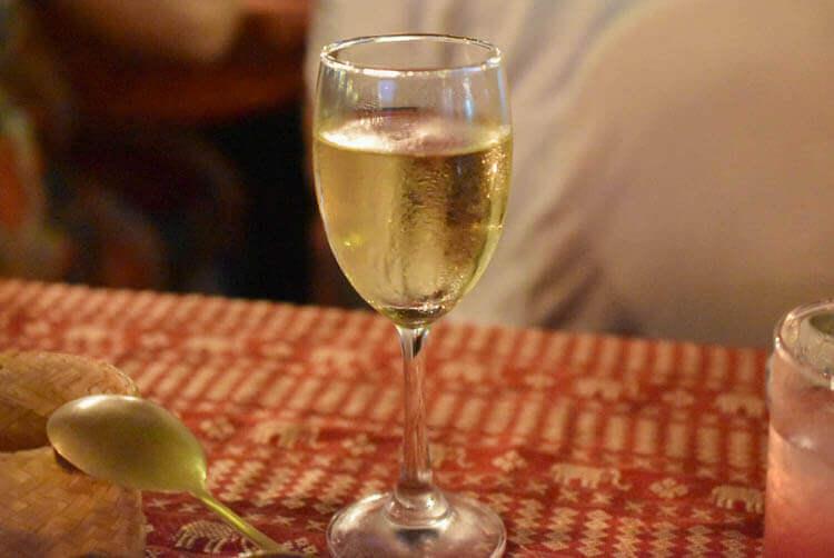 バンコククルージングディナー ワイン