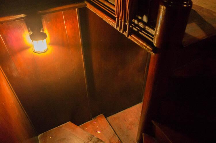 バンコククルージングディナー 地下室