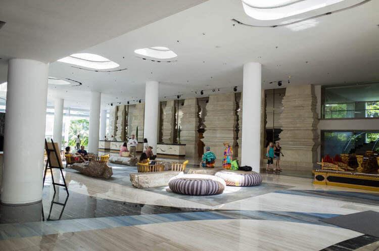 バリ島 ストーンホテルロビー