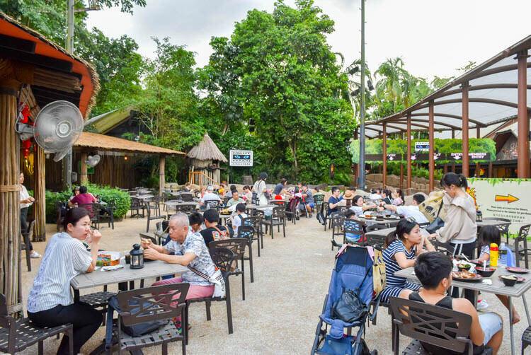 シンガポールナイトサファリ ジャングル ロティサリーレストラン 店内の雰囲気