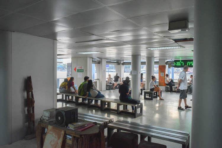バンコククルージングディナー 待機場所