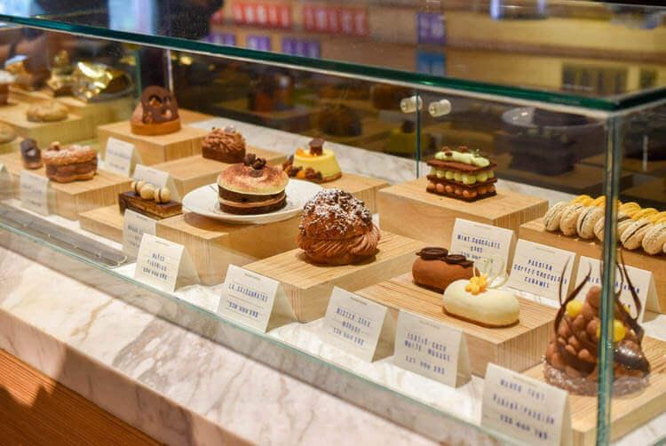 ホーチミン MAROU マルゥ 直営カフェ ケーキ
