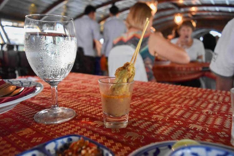 バンコククルージングディナー タイ風焼き鳥