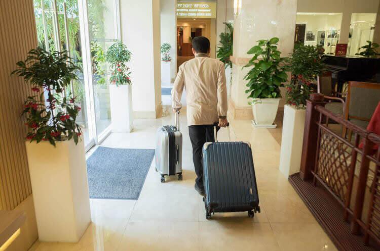 レックス ホテル サイゴン チェックイン 荷物運び