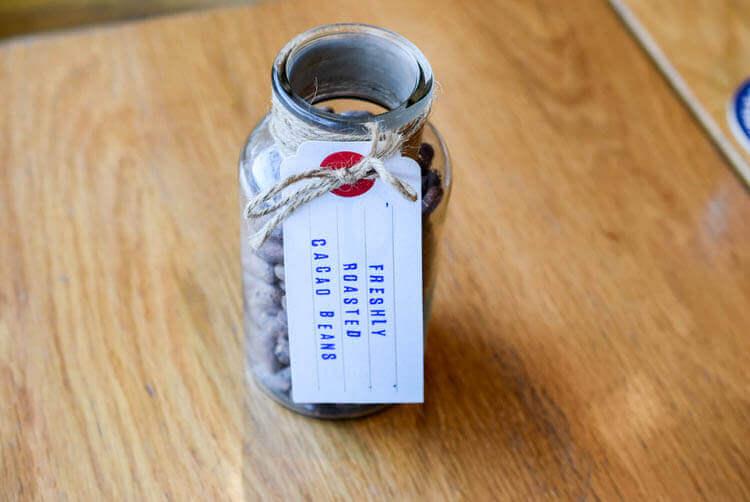 ホーチミン MAROU マルゥ 直営カフェ カカオ豆