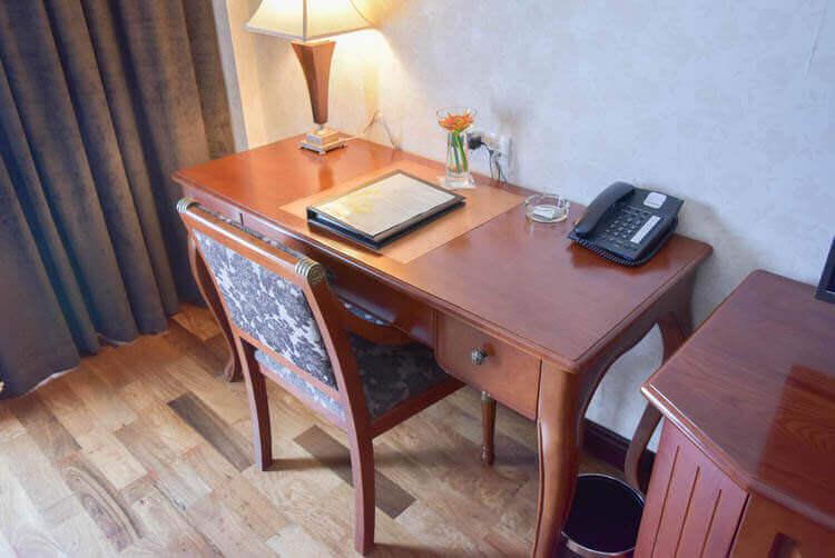 レックス ホテル サイゴン デスク
