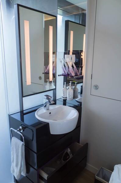 ヨーテル シンガポール オーチャードロード 洗面所
