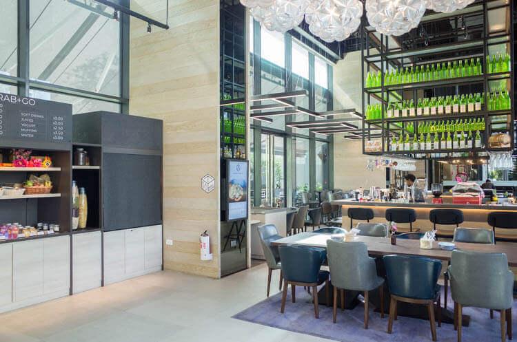 ヨーテル シンガポール オーチャードロード 10階のレストラン