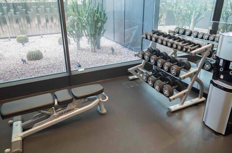 ヨーテル シンガポール オーチャードロード トレーニング機器